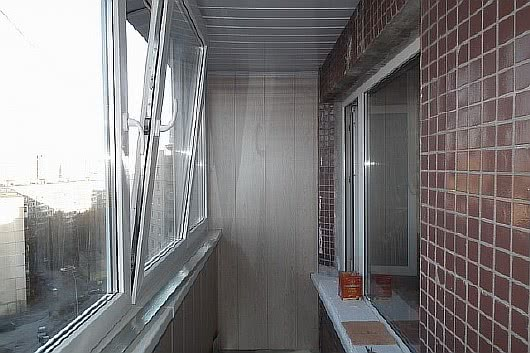 Фото лоджий с отделкой декоративной плиткой балкон 4.