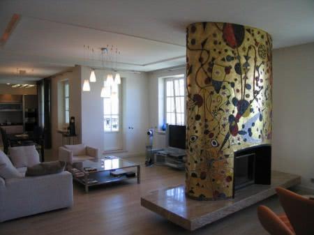 Интерьер гостиной камин