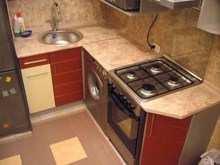 Шкафы - пеналы на кухне