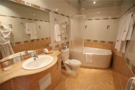 Объединение ванной комнаты и туалета