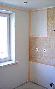 Окраска в углу, у фриза, керамической плитки, окна
