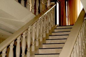Деревянные лестницы в Самаре изготовление на заказ