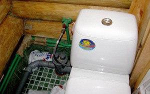 Установка теплого туалета на дачном участке