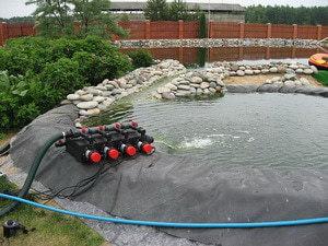 Система фильтрации искусственного пруда