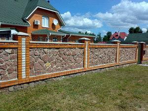 Каменный забор для дачи